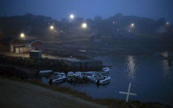 Επιμένει ο Τραμπ στην «παράλογη» ιδέα του να αγοράσει τη Γροιλανδία