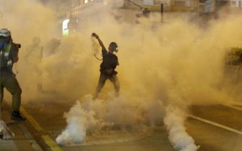 Σε δεκάδες συλλήψεις προχώρησε η αστυνομία στο Χονγκ Κονγκ