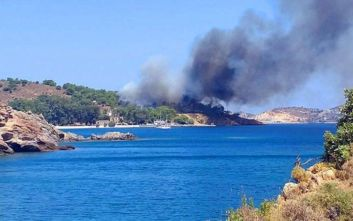 Συναγερμός για μεγάλη φωτιά στη Λέρο