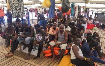 Νέα διάσωση από το Ocean Viking στη Μεσόγειο, στο σκάφος επιβαίνουν πλέον 356 μετανάστες