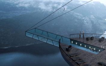 Μια γυάλινη πισίνα που κόβει στην κυριολεξία την ανάσα