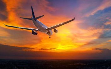 Επιβάτης κάπνιζε στην τουαλέτα αεροσκάφους και συνελήφθη στη Θεσσαλονίκη