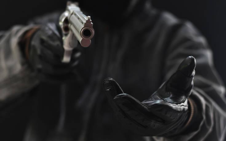 Εξαρθρώθηκε σπείρα νεαρών που ασκούσε βία σε ηλικιωμένους και τους έκλεβε