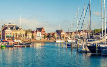Η πόλη της Ολλανδίας όπου ο χρόνος έχει παγώσει