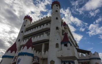 Ένα κάστρο βγαλμένο από παραμύθι σε ψαροχώρι της Μεσσηνίας