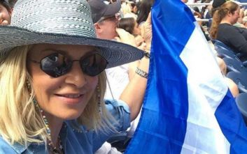 Η ελληνική σημαία και η παρατήρηση που έκαναν στην Άννα Βίσση