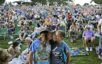 Η γενιά των «παιδιών των λουλουδιών» επιστρέφει μαζί με νεώτερους στο Γούντστοκ 50 χρόνια μετά