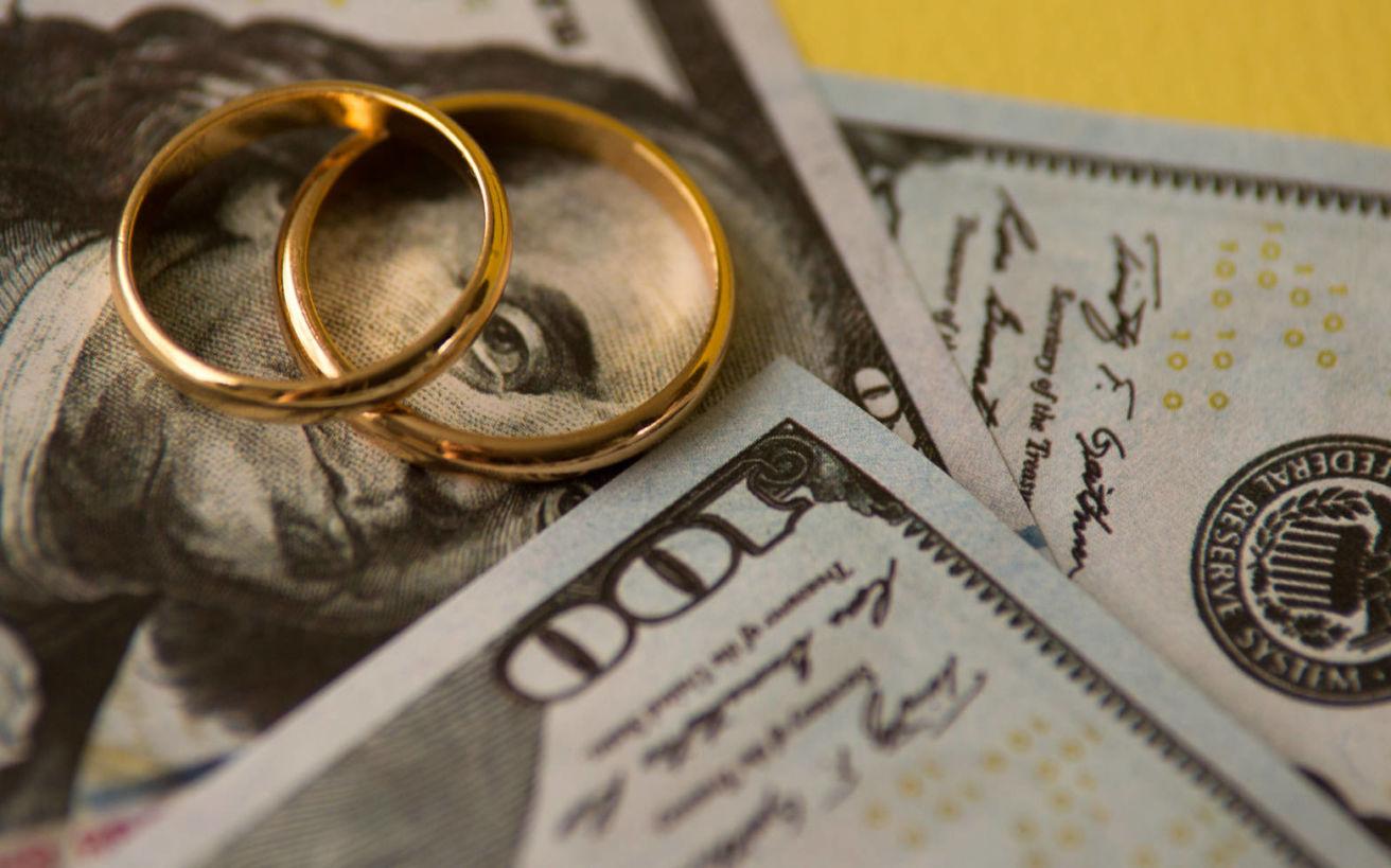 Τα διαζύγια που ξετίναξαν τραπεζικούς λογαριασμούς και εγωισμούς