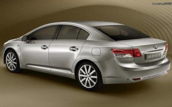 Ανακαλούνται Toyota Avensis, Corolla και Yaris
