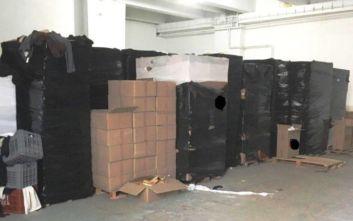Χιλιάδες παράνομα καπνικά σε αποθήκη στην Κηφισιά