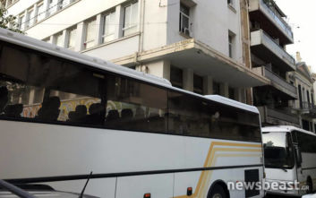 Σε εξέλιξη η νέα αστυνομική επιχείρηση εκκένωσης κτιρίου στο κέντρο της Αθήνας