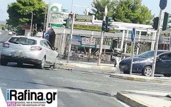 Τροχαίο με τραυματίες στη Λεωφόρο Μαραθώνος: Ανάμεσα τους και ένα παιδί