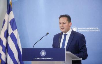 Πέτσας: Η κυβέρνηση βγάζει από την πλάτη των φορολογουμένων δυσβάσταχτα βάρη