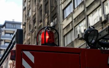 Πυρκαγιά σε διαμέρισμα στον Βύρωνα - Χωρίς τις αισθήσεις του ανασύρθηκε ένα άτομο