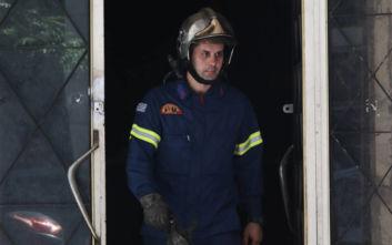 Οι πρώτες εικόνες από τη φωτιά στο σουβλατζίδικο στη Χαλκοκονδύλη