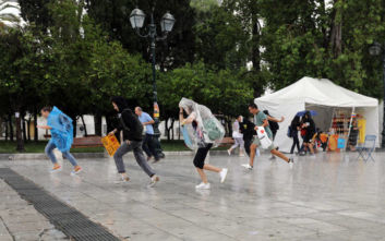 Καιρός: Η πρώτη φθινοπωρινή βροχή στην Αθήνα