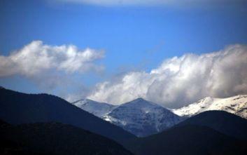 Η φωτογραφία του Σάκη Αρναούτογλου από τα πρώτα χιόνια στον Όλυμπο