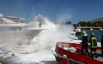 Φωτιά σε θαλαμηγό στη Χαλκιδική