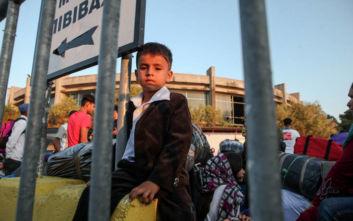 Χίος: Ζητούν να φύγουν οι πρόσφυγες από το νησί και τη χώρα