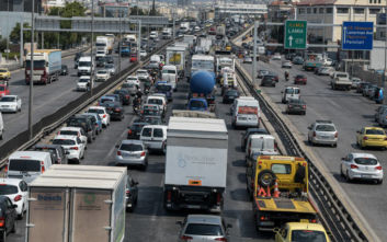 Κυκλοφοριακό χάος στους δρόμους λόγω της απεργίας στα ΜΜΜ