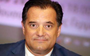 Άδωνις Γεωργιάδης: Δεν υπάρχει δικαιολογία για να ανεβάσει ένα πρατήριο τη βενζίνη