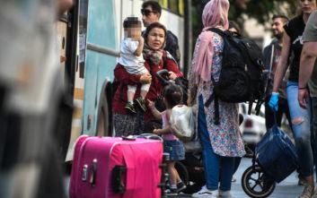 Σε δομές φιλοξενίας της Κορίνθου οι αλλοδαποί από τις καταλήψεις στην Αχαρνών
