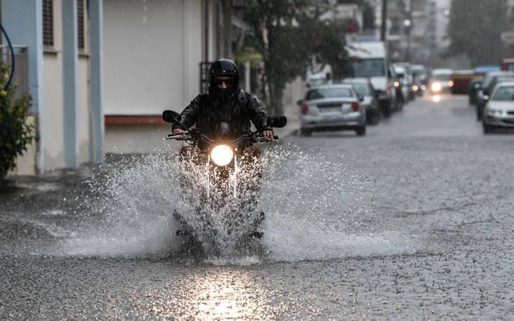 Καιρός: Αλλαγή σκηνικού αύριο! Έρχονται βροχές και καταιγίδες