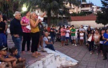 Κλείνουν το δρόμο οι κάτοικοι στον Καραβόμυλο για το hot spot
