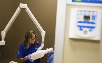 Νέα ουσία μπορεί να φέρει το τέλος στα σφραγίσματα των δοντιών