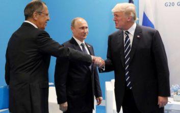 Ο Λαβρόφ διαψεύδει ότι ο Τραμπ του έδωσε μυστικές πληροφορίες
