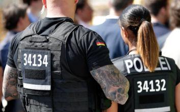 Οι «καυτές αστυνομικίνες» που έχουν αναστατώσει τις γερμανικές Αρχές