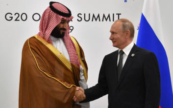 Συνομιλία Πούτιν με τον διάδοχο της Σ. Αραβίας για τις επιθέσεις στις πετρελαϊκές εγκαταστάσεις