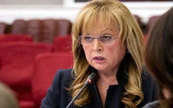 Μασκοφόρος χτύπησε με τέιζερ την πρόεδρο της Εκλογικής Επιτροπής στη Ρωσία