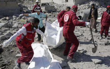 Τουλάχιστον 100 νεκροί από αεροπορικό βομβαρδισμό στην Υεμένη