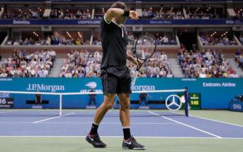 Αποκλεισμός-έκπληξη για τον Φέντερερ στο US Open, στα ημιτελικά ο Ντιμιτρόφ