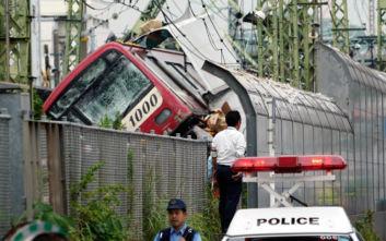 Ένας νεκρός, 34 τραυματίες από τη σύγκρουση τρένου με φορτηγό στην Ιαπωνία