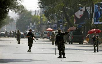 Καμικάζι ανατίναξε αυτοκίνητο-βόμβα στην Καμπούλ, φόβοι για θύματα
