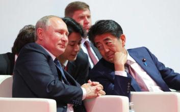 Ο Πούτιν απέρριψε πρόταση του Άμπε για υπογραφή συνθήκης ειρήνης μεταξύ Ρωσίας και Ιαπωνίας