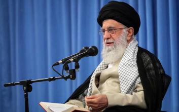Αγιατολάχ Αλί Χαμενεΐ: Η αμερικανική πολιτική άσκησης μέγιστης πίεσης θα αποτύχει