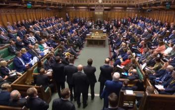 Brexit: Διπλή δοκιμασία για τη βρετανική κυβέρνηση στη Βουλή