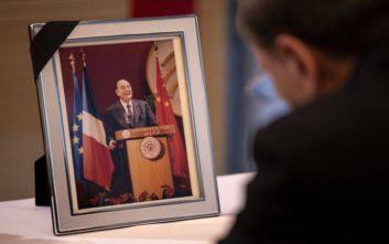 Γαλλία: Σε λαϊκό προσκύνημα η σωρός του Ζακ Σιράκ