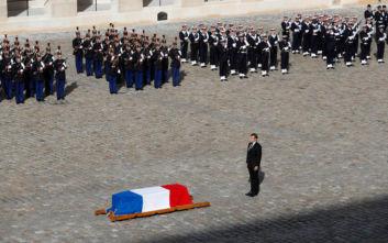 Κηδεία Ζακ Σιράκ: Πλήθος κόσμου και χειροκροτήματα, παρουσία 80 ξένων πολιτικών