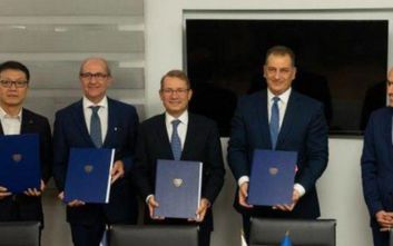 Έπεσαν υπογραφές για πέντε τεμάχια της κυπριακής ΑΟΖ