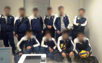 Σύλληψη δέκα ατόμων που πήγαν να ταξιδέψουν για εξωτερικό προσποιούμενοι ομάδα βόλεϊ
