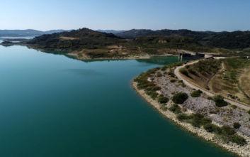 Εντυπωσιακές εικόνες από το φράγμα του Πηνειού στην Πελοπόννησο