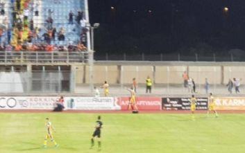 Προπονητής στην Κύπρο μπήκε στον αγωνιστικό χώρο και επιτέθηκε σε διαιτητή
