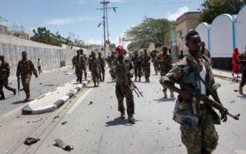 Τζιχαντιστές επιτέθηκαν σε στρατιωτική βάση των ΗΠΑ στη Σομαλία