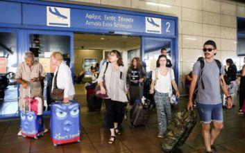 Αυξήθηκαν τον Αύγουστο οι αεροπορικές αφίξεις τουριστών στην Ελλάδα