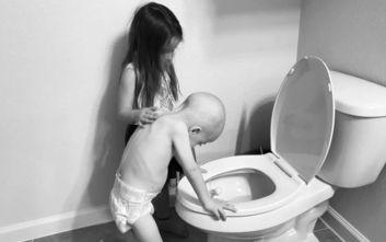 Πιτσιρίκα συμπαραστέκεται στο αδελφάκι της με καρκίνο και συγκινεί