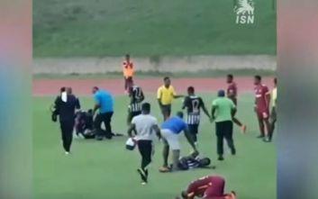 Κεραυνός χτυπάει ποδοσφαιριστές την ώρα του αγώνα